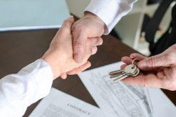 Benefícios de alugar um imóvel através de uma imobiliária